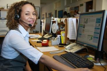 woman_at_desk